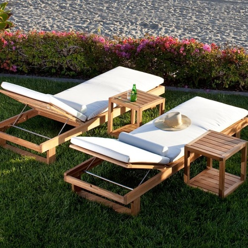 teak lounge chair with side table