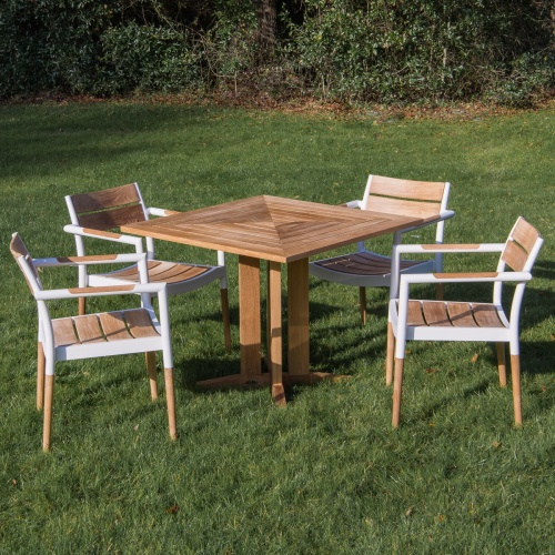 square outdoor bistro sets