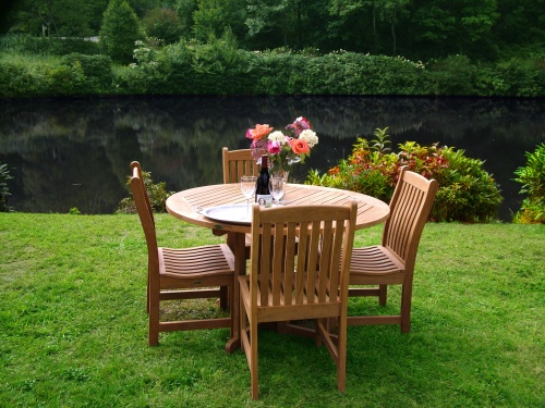 round teak wooden dining for 4