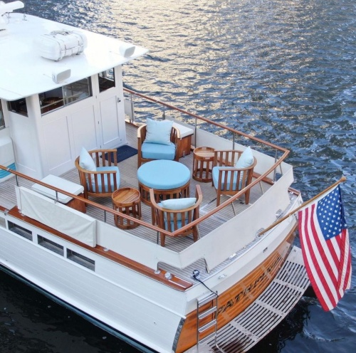 deep seating wooden club chair