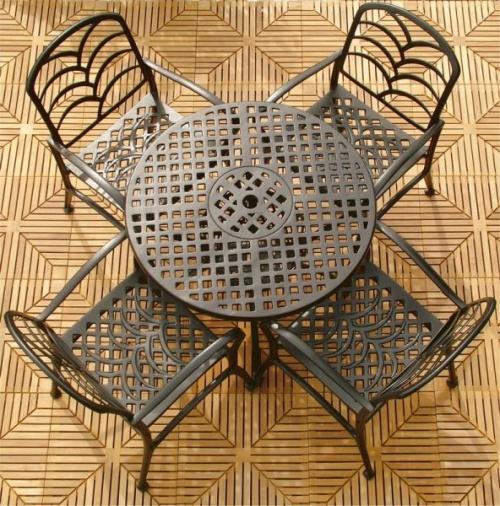 Diamond Aluminum Round Table - Picture A