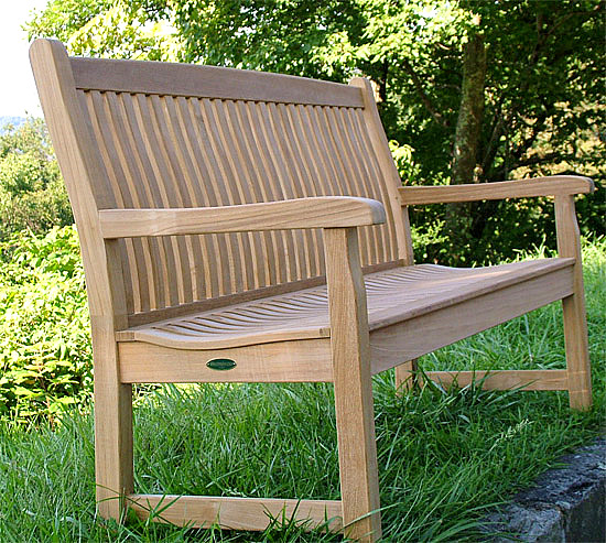 The Ergonomic Design In The Contoured Backrest And The Scooped Seat  Provides An Exceptional Level Of Outdoor Comfort Without Cushions.